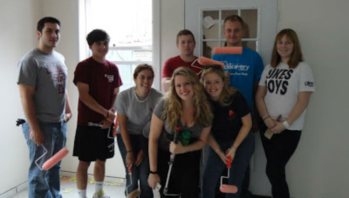 Discovery Program students work with the Nassau County chapter of Habitat for Humanity
