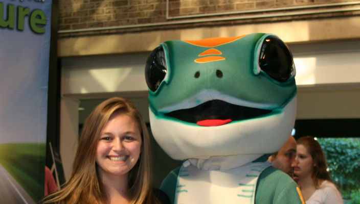 Megan Andrews and GEICO gekko