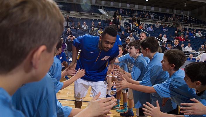 Hofstra Returns To Action After Long Layoff