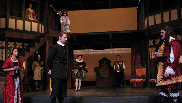 2008_Hamlet (last show on the old Globe)news site
