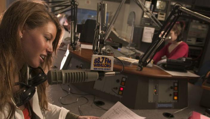 WRHU radio 2 rs