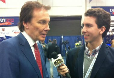 Alan Colmes, left, with WRHU student reporter at Debate 2012.