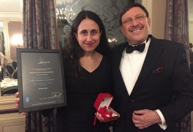 Kara Alaimo wins Titan of the Future award at 2017 World Communication Forum gala.